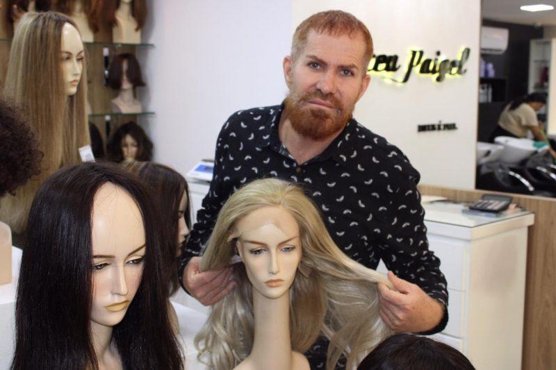 cabeleireiro-promove-30-dias-de-acao-pelo-outubro-rosa